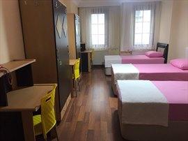Yurt İstanbul Kız Öğrenci Yurdu 3 Kişilik Oda