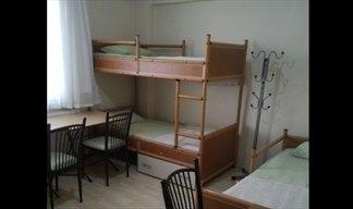 İzmir - Narlıdere, Narlıdere Çamlık Erkek Öğrenci Yurdu - 3 Kişilik Oda