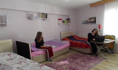 Özel 18 Mart Kız Öğrenci Yurdu - 3 Kişilik Oda